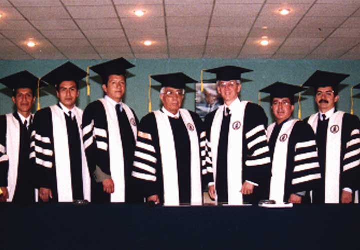 Bircham University 2003 Ecuador Quito Graduation